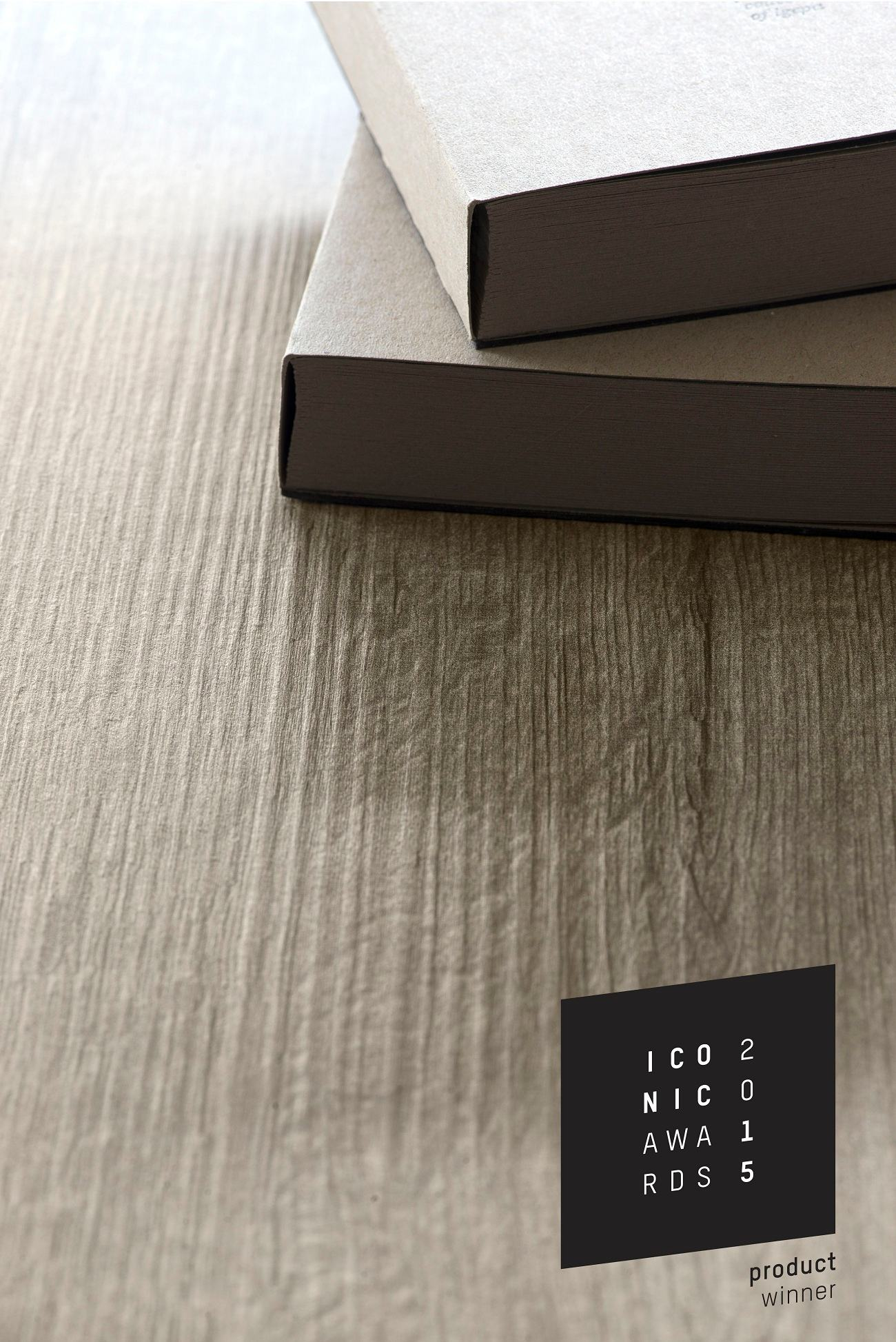 Evola Emila Oak dark grey Copie compressed - Un Iconic Award pour Unilin
