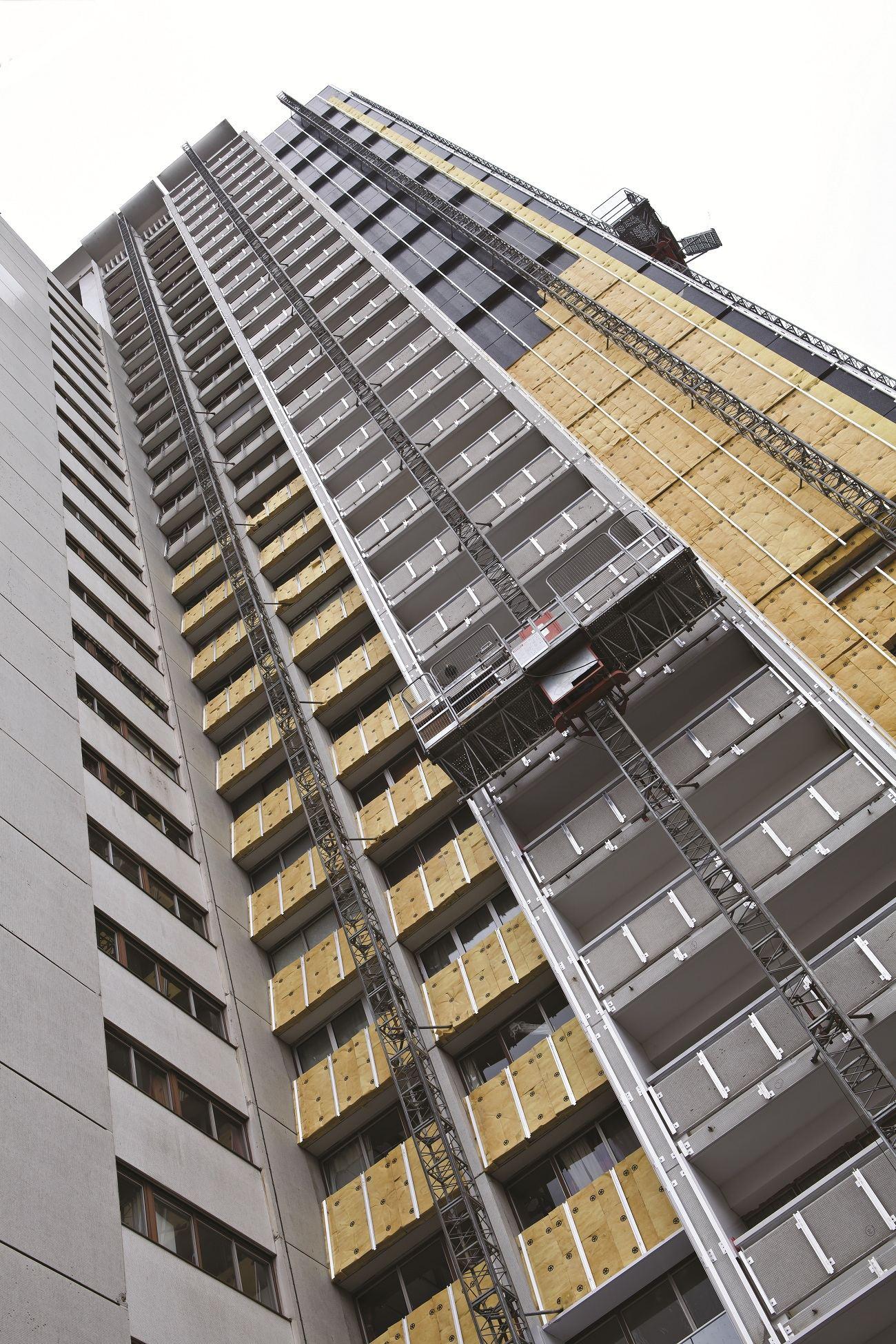 TourSuperMontparnasse Travaux1 compressed - Isover rénove la tour Super-Montparnasse
