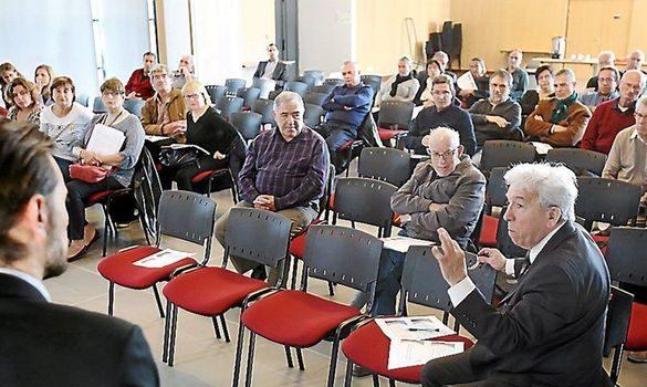 maires de laude 585x350 - Les projets locaux aiguisent les tensions urbaines : la revue de presse du 11/04/2017