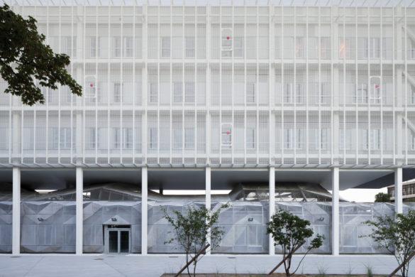 BLOCK campus telecom evry 585x390 - Pôle scientifique d'Evry Val de Seine, BLOCK Architectes