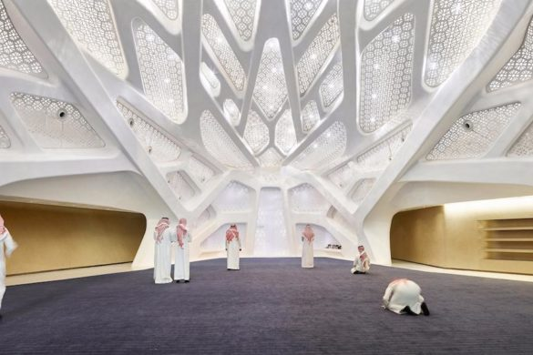 004 ZHA KAPSARC Musalla HuftonCrow 585x390 - KAPSARC : Zaha Hadid dans le désert saoudien