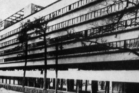 architecture sovietique 585x390 - Changer la vie:  l'architecture soviétique des années vingt