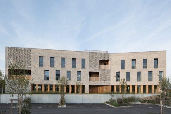 f6 immeubledebureaux EmilieGravoueille 1 585x390 - Forma6: le chromosome appliqué aux bâtiments tertiaires
