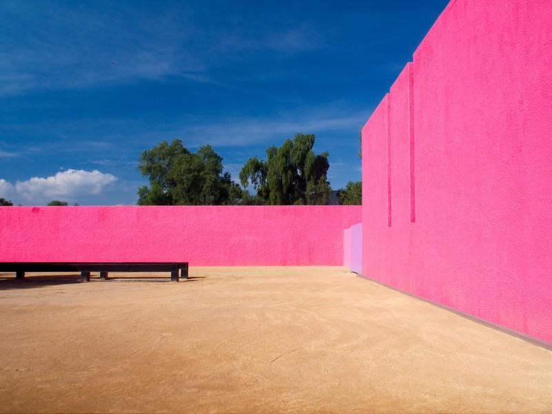 architecture luis barragan mexique ranch cuadra san crisobal photos  sarunas burdulis   1 - LuisBarragán, l'architecte coloriste mexicain