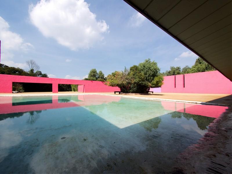architecture luis barragan mexique ranch cuadra san crisobal photos  sarunas burdulis   2 - LuisBarragán, l'architecte coloriste mexicain