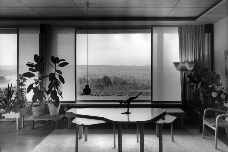 maison louis carre france living room photo heikki havas alvar aalto museum 988x659 - Le fonctionnalisme organique de l'architecte finlandais Alvar Aalto