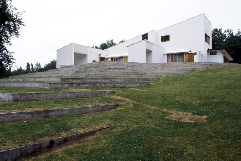 maison louis carre ranska pihalta kuva heikki havas alvar aalto museo 988x659 - Le fonctionnalisme organique de l'architecte finlandais Alvar Aalto