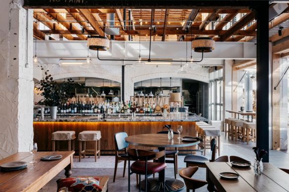 43353 preview low 2887 3 43353 sc v2com 585x390 - Park House Food Merchants : un loft rétro scandinave où se mêlent art et restauration