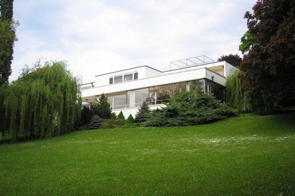 Villa_thugendhat_brno_republique_tcheque_architecture_moderne_architecte_mies_van_der_rohe_vue_jardin