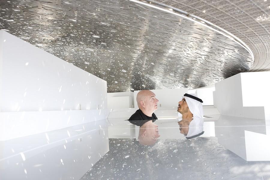jean nouvel and he sheikh sultan   under mock up dome 1 - Jean Nouvel: L'architecture, c'est dehors et dedans