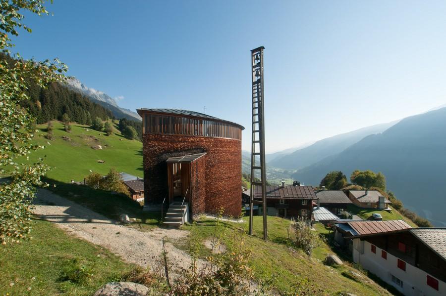 peter zumthor chapelle ste benedicte suisse - Petez Zumthor : pour une architecture sensible !