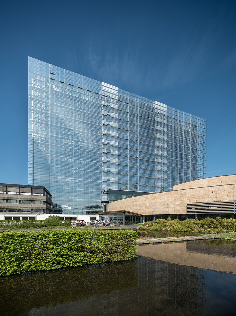 ateliers jean nouvel european patent office rijswijk netherlands designboom 04 - L'expérience de l'horizontalité vue par Jean Nouvel avec l'ouverture d'un nouveau bureau européen des brevets aux Pays-Bas