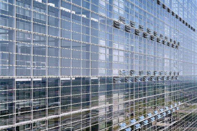 ateliers jean nouvel european patent office rijswijk netherlands designboom 05 - L'expérience de l'horizontalité vue par Jean Nouvel avec l'ouverture d'un nouveau bureau européen des brevets aux Pays-Bas