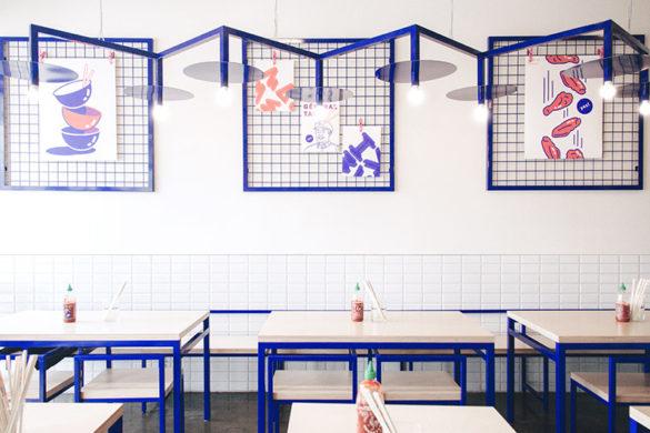 azure Maneki restaurant montreal 05 585x390 - Maneki un restaurant bleu électrisant inspiré de la pop culture asiatique