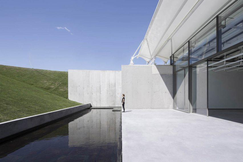 renzo piano art gallery galerie chateau la coste r%C3%A9alisation beton france portrait archicree - Renzo Piano, l'architecte italien contemporain !