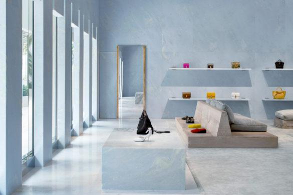 celine valerio olgiati interiors retail shops marble miami florida usa  dezeen 1704 col 0 1 585x390 - Céline voit la vie en bleu à Miami