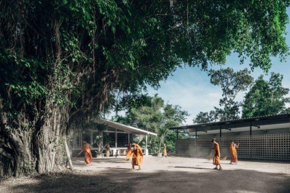 novice living quarters buddhanimit temple 585x390 - Novice Living Quarters : un nouveau dortoir pour les apprentis moines de Buddhanimit Temple en Thaïlande
