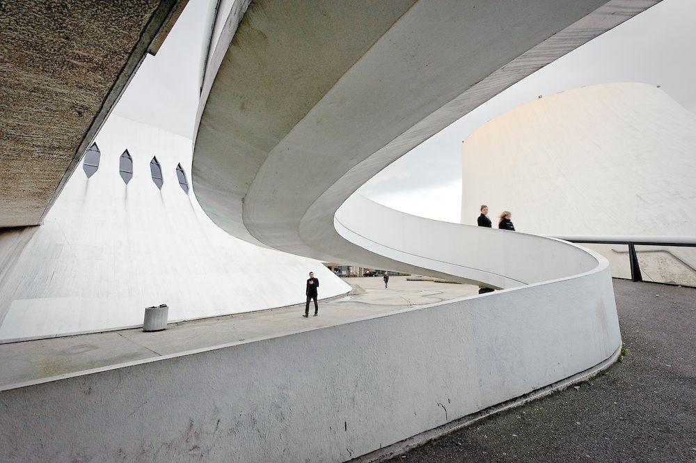 oscar niemeyer r%C3%A9alisations brasilia bresil creation urbanisme architecture portrait archicree le havre volcan maison de la culture espace niemeyer - Oscar Niemeyer, l'architecte moderne du Brésil