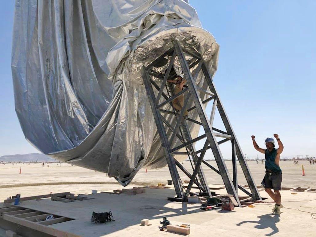 Kai Uwe Bergmann 3 - Pari réussi pour BIG son ORB géant prend forme au festival Burning Man