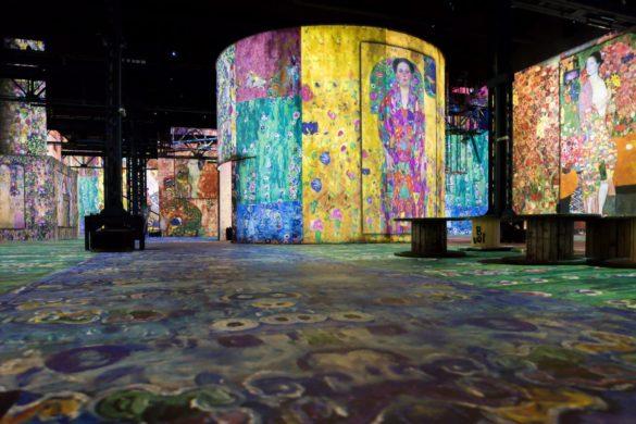 paris atelier lights digital fine art museum design dezeen 2364 col 1 1704x1137 585x390 - L'Atelier des Lumières: une révolution scénographique 2.0 ?