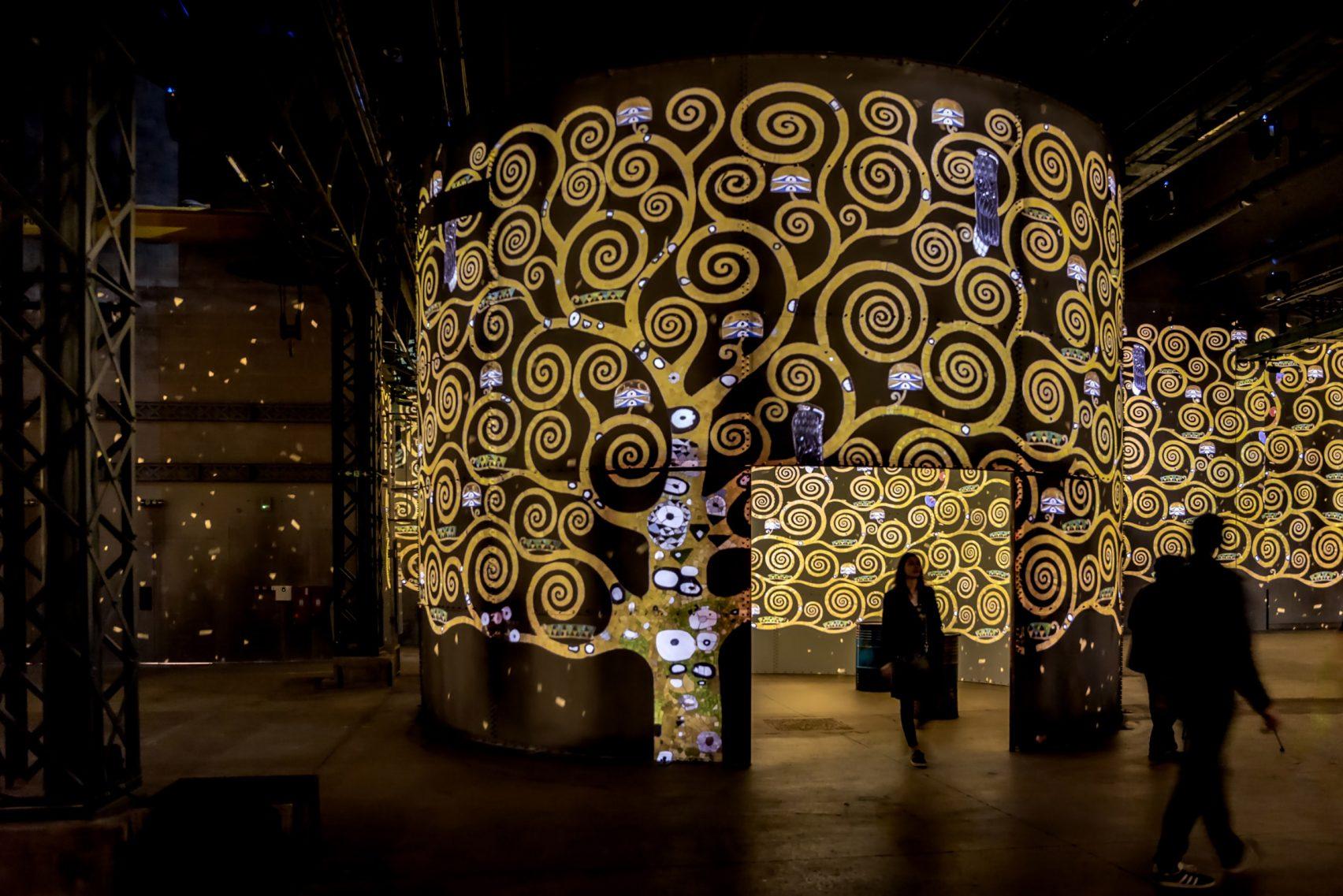paris atelier lights digital fine art museum design dezeen 2364 col 12 1704x1137 - L'Atelier des Lumières: une révolution scénographique 2.0 ?